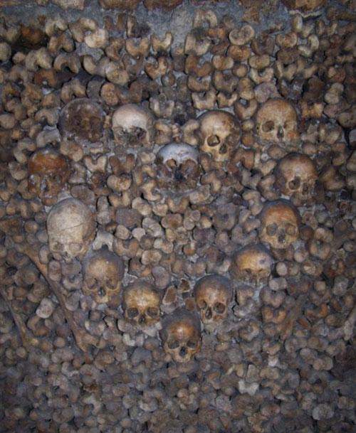 http://www.beresnev.ru/images/places/paris-catacomb/paris-catacomb05.jpg